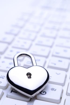 heart-shaped key keyboard photo