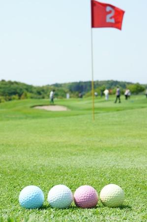 カラフルなゴルフ ・ ボール