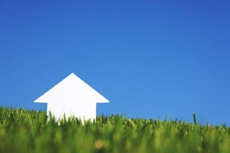 Papier Haus unter Himmel
