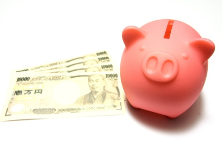 貯金箱と日本のお金