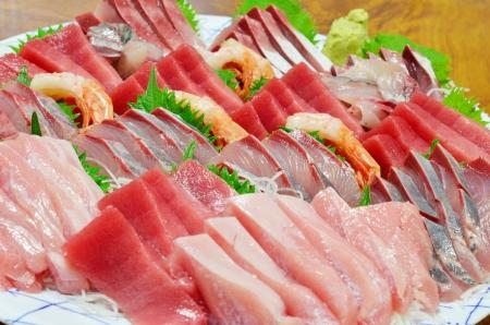 混合の刺身、生の魚