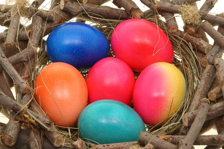 straw twig: Image of easter eggs in the nest.