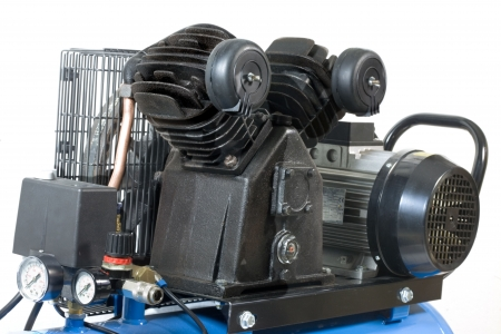 compresor: Parte del compresor aislado en un fondo blanco.  Foto de archivo