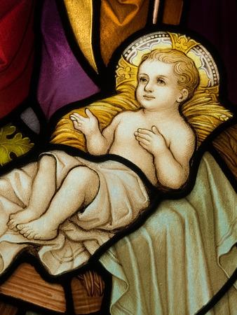 pesebre: Vidrieras de la iglesia cat�lica en Dubl�n que muestra el nacimiento de Cristo