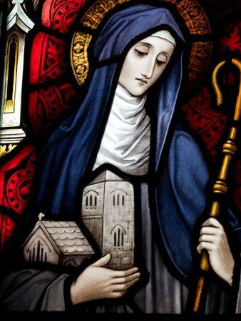 Gekleurd glas in de katholieke kerk in Dublin blijkt Saint Brigid van Kildare De gebrandschilderde ramen zijn door de beroemde kunstenaar, William Early, die stierf tijdens de commissie