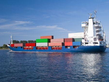 Grote container vracht schip post voor poort