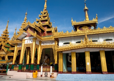 pavilion: Golden temple pavilion encircling the main pagoda at Shwedagon Pagoda,  Yangon in Myanmar