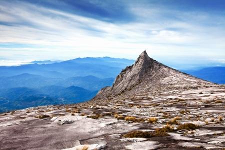 North Peak come si è visto nei pressi di vetta del Monte Kinabalu, la montagna più alta dell'Asia in Sabah, Malesia, Borneo.