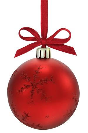 moños navideños: Bola de Navidad, colgando de una cinta, aislada en el fondo blanco  Foto de archivo