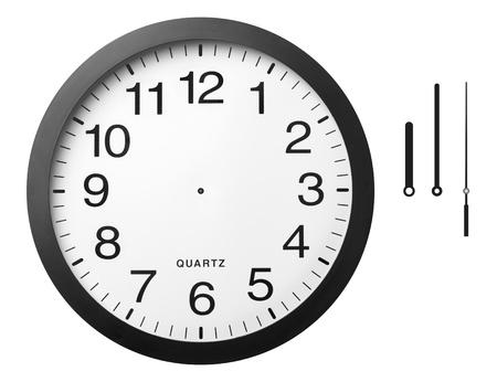 reloj de pared: Reloj de la oficina con las manos separadas, aisladas sobre un fondo blanco, trazado de recorte incluidos. Foto de archivo