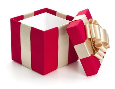 cadeaupapier: Open geschenkdoos, geïsoleerd op de witte achtergrond, het knippen inbegrepen weg.