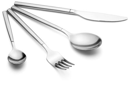 Mes, vork en lepel, geïsoleerd op de witte achtergrond, uitknippad opgenomen