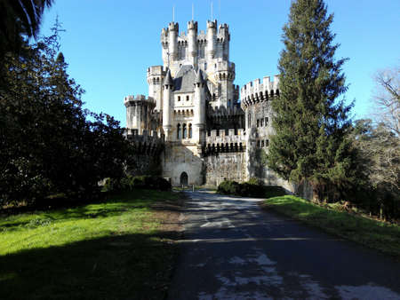 architecture: Castle with towers