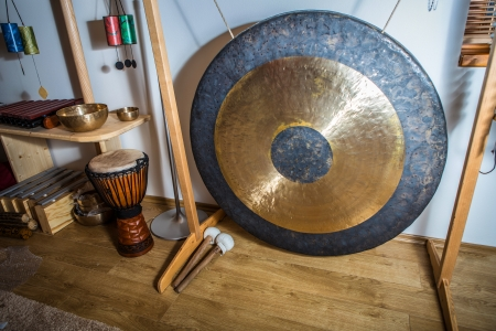 Gong: large gong
