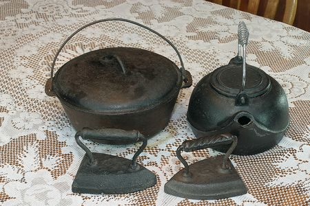 old items: old house hold items Stock Photo