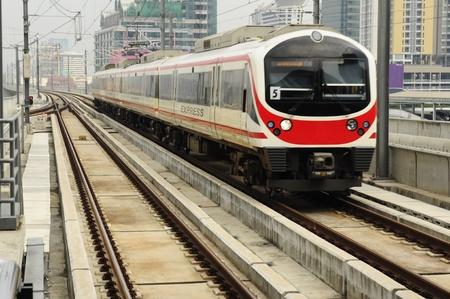 petit train: Train de c�t� avant de chemin de fer