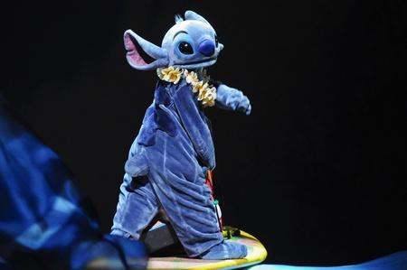 lilo: Disney Land, Hongkong - November 19,2010 -  The Golden Micky Show - lilo & stitch