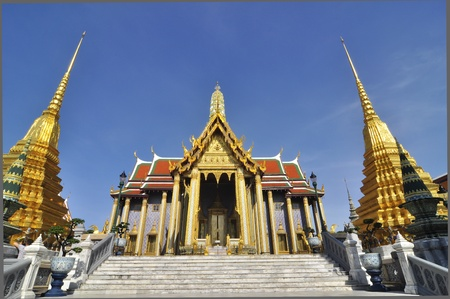 The Emerald Buddha temple, Bangkok, Thailand photo