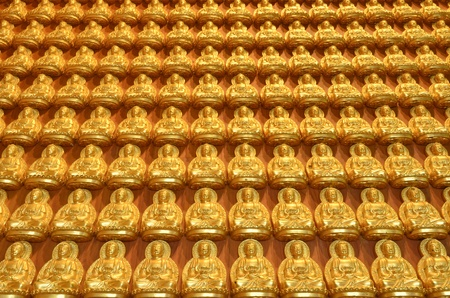 Gold Buddha statues in Thai temple Stock Photo - 13422942