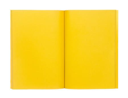 papel de notas: Abra el libro amarillo aislado en el fondo blanco