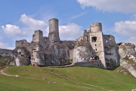 fortifying: Ruins of old historical castle in Poland, Ogrodzieniec, Track Aeries