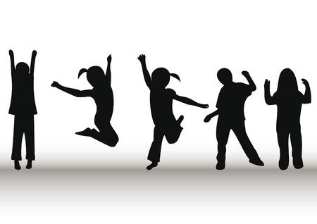 personas saltando: Ni�os felices jugando y saltando