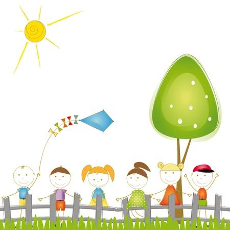 zomertuin: Gelukkig en leuke jongens en meisjes spelen in de tuin