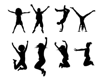 Gelukkig meisjes en jongens spelen en springen