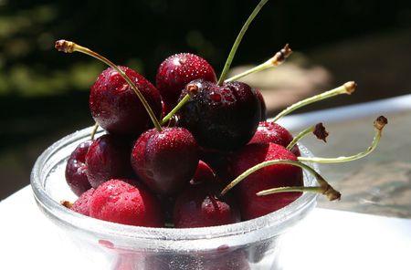 A bowl of bing cherries Stock Photo - 453291