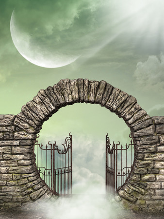 heaven: Paisaje de fantas�a en el cielo con la puerta Foto de archivo