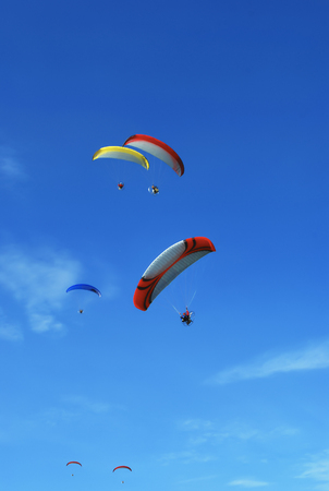 engine powered: Group Powered Paragliding