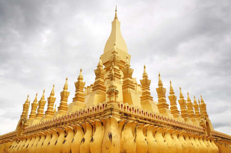 the golden temple at Wat Thadlaung Stock Photo