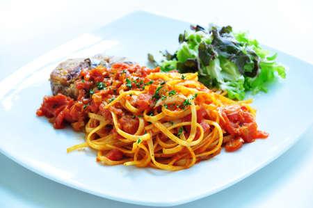 chuparse los dedos: Deliciosos espaguetis con salsa de tomate