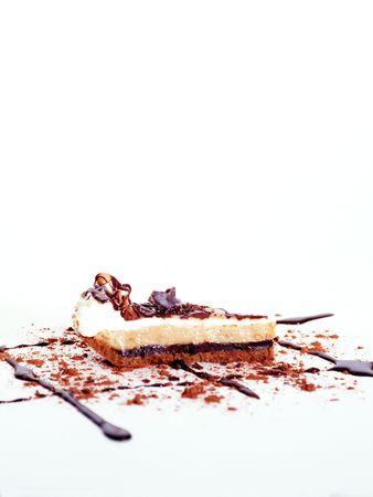 to cake layer: strato di torta al cioccolato