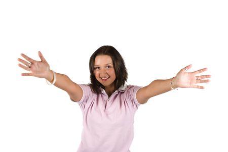 manos abiertas: Joven sonriente ni�a con las manos abiertas al abrazo aisladas sobre fondo blanco
