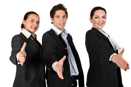 poign�es de main: Le personnel de trois personnes debout avec les mains le travail d'�quipe offrant la main tendue Banque d'images