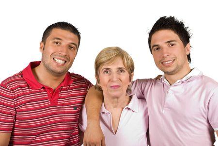 AlleinerzieherIn: Happy Familie mit alleinerziehende Mutter und zwei erwachsene S�hne l�chelnd isoliert auf wei�em Hintergrund