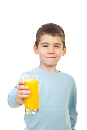 verre jus orange: Small child boy offering a glass with fresh orange juice and smiling isolated on white background
