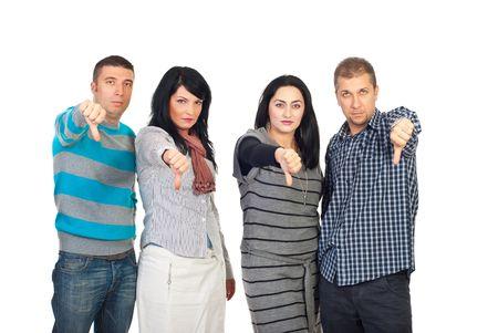 dislike: Triest groep mensen in een rij geven duimen onderaan geïsoleerd op witte achtergrond