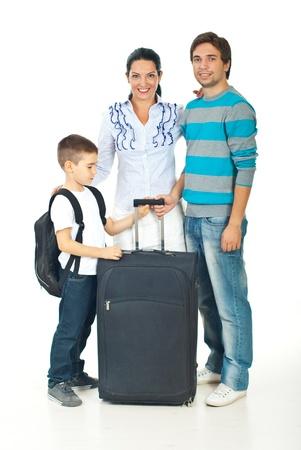femme avec valise: Famille heureuse avec l'enfant va voyager