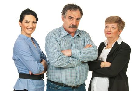 mani incrociate: Team di diverse età di uomini d'affari in piedi con le braccia conserte isolato su sfondo bianco