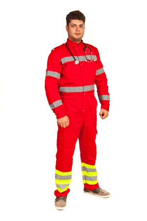 Volledige lengte van paramedicus man geïsoleerd op witte achtergrond