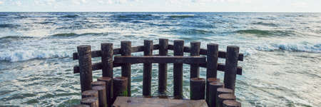 calming view of sea waves on summer time horizontal, panorama, panoramic Banque d'images