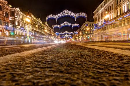 Russia, Saint-Petersburg, 03, January, 2018: Nevsky Prospekt, New Year's and Christmas decorations 新聞圖片