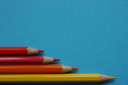 Kolor ołówki wskazując prawo