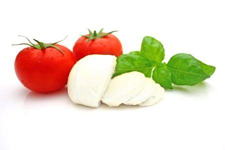 モッツァレラチーズ、トマト