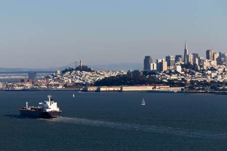 Cargo Ship in the San Francisco Bay Stock Photo - 17012536