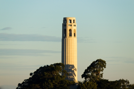 telegraph hill: Coit Tower in the early morning sun