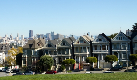 san fran: The Painted Ladies of Alamo Square in San Francisco, United-States