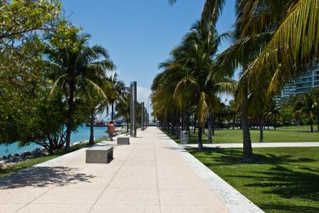 마이애미, 플로리다에있는 사우스 포인트 공원에서 산책 경로